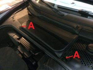 porsche-996-remove-battery-cover